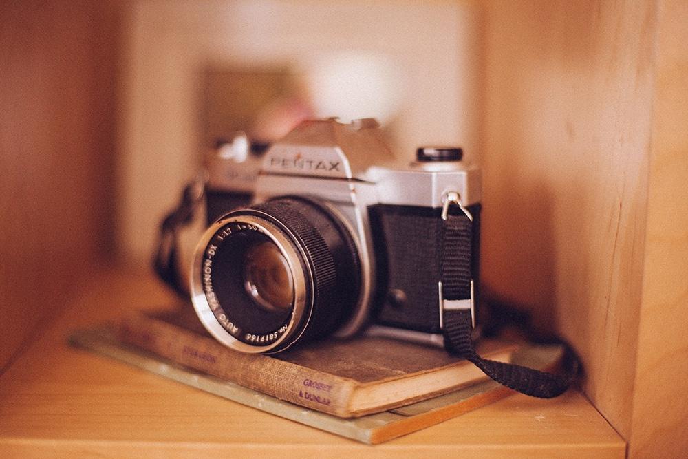 古いフィルムカメラの写真
