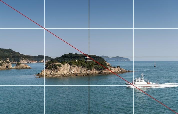 4分割構図と対角線構図の組み合わせ例