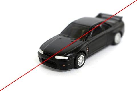 対角線のラインが入った、ミニカーの写真